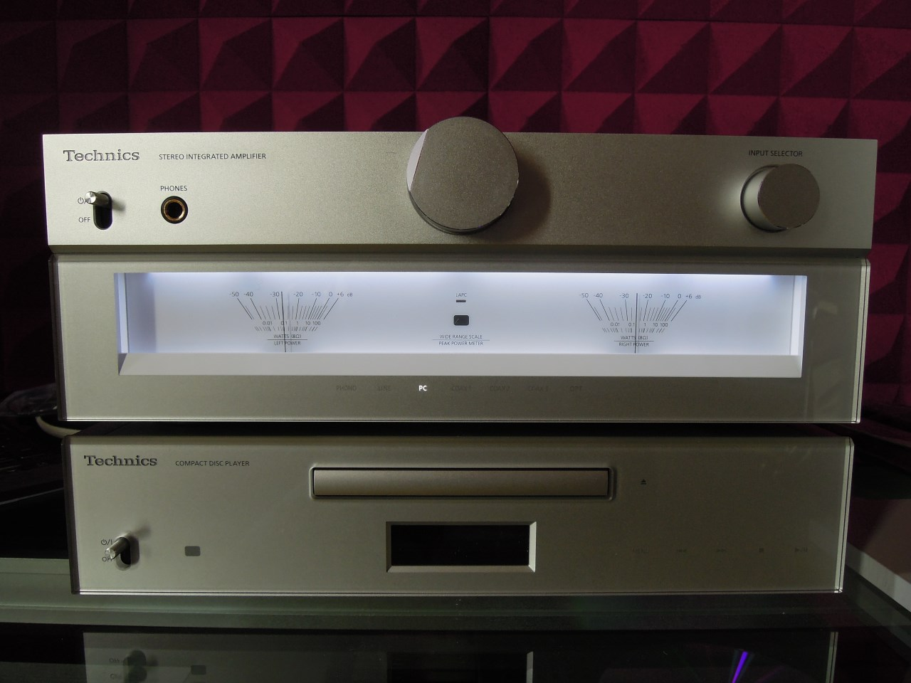 ascolto technics lettore cd sl c700 e amplificatore integrato su c700. Black Bedroom Furniture Sets. Home Design Ideas